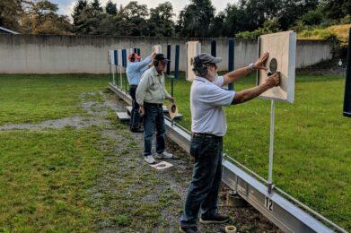 Setting up targets for pistol bullseye