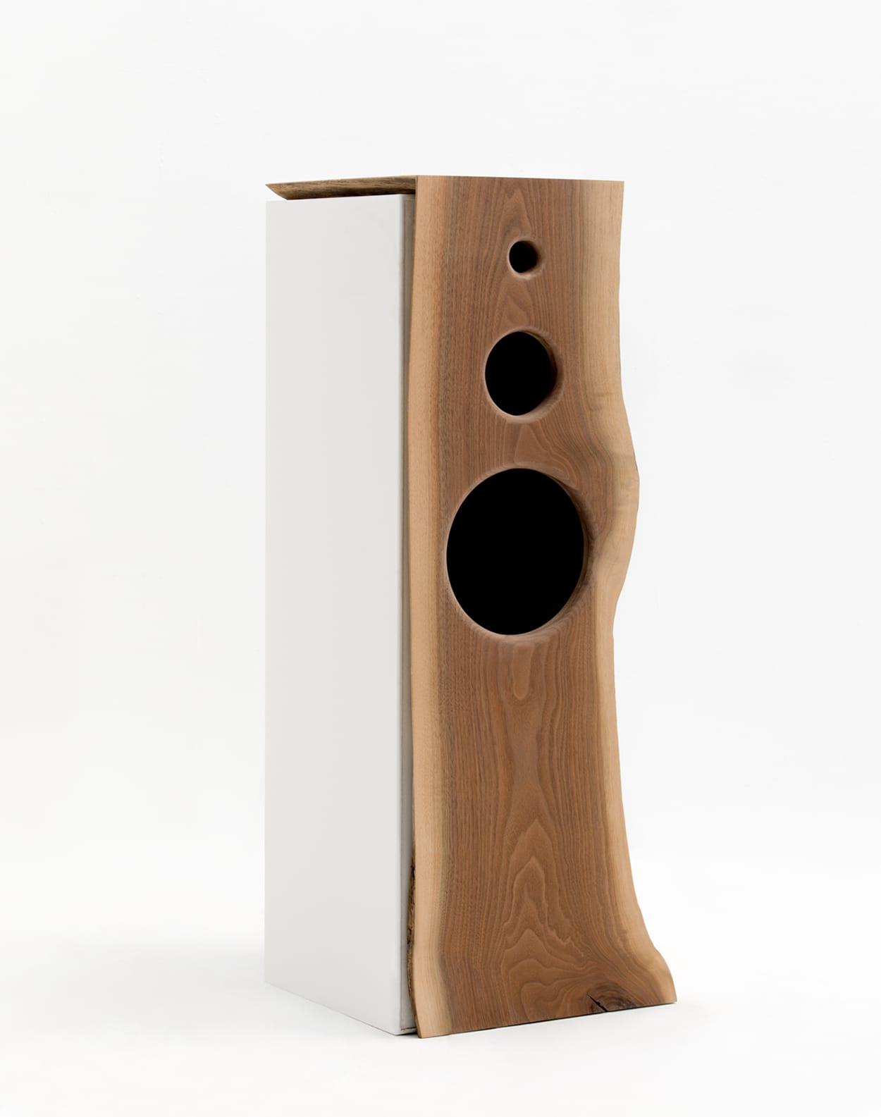Wood Speaker_web_2__0002_Layer Comp 3
