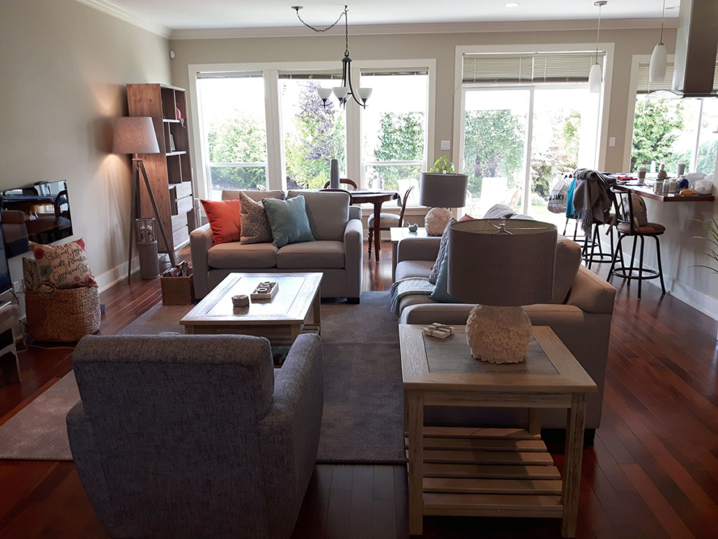 beach house home staging living room