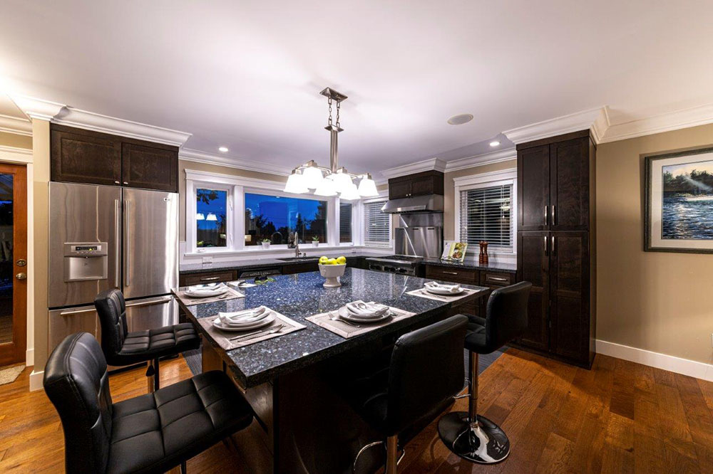 North Vancouver homestaging dining room