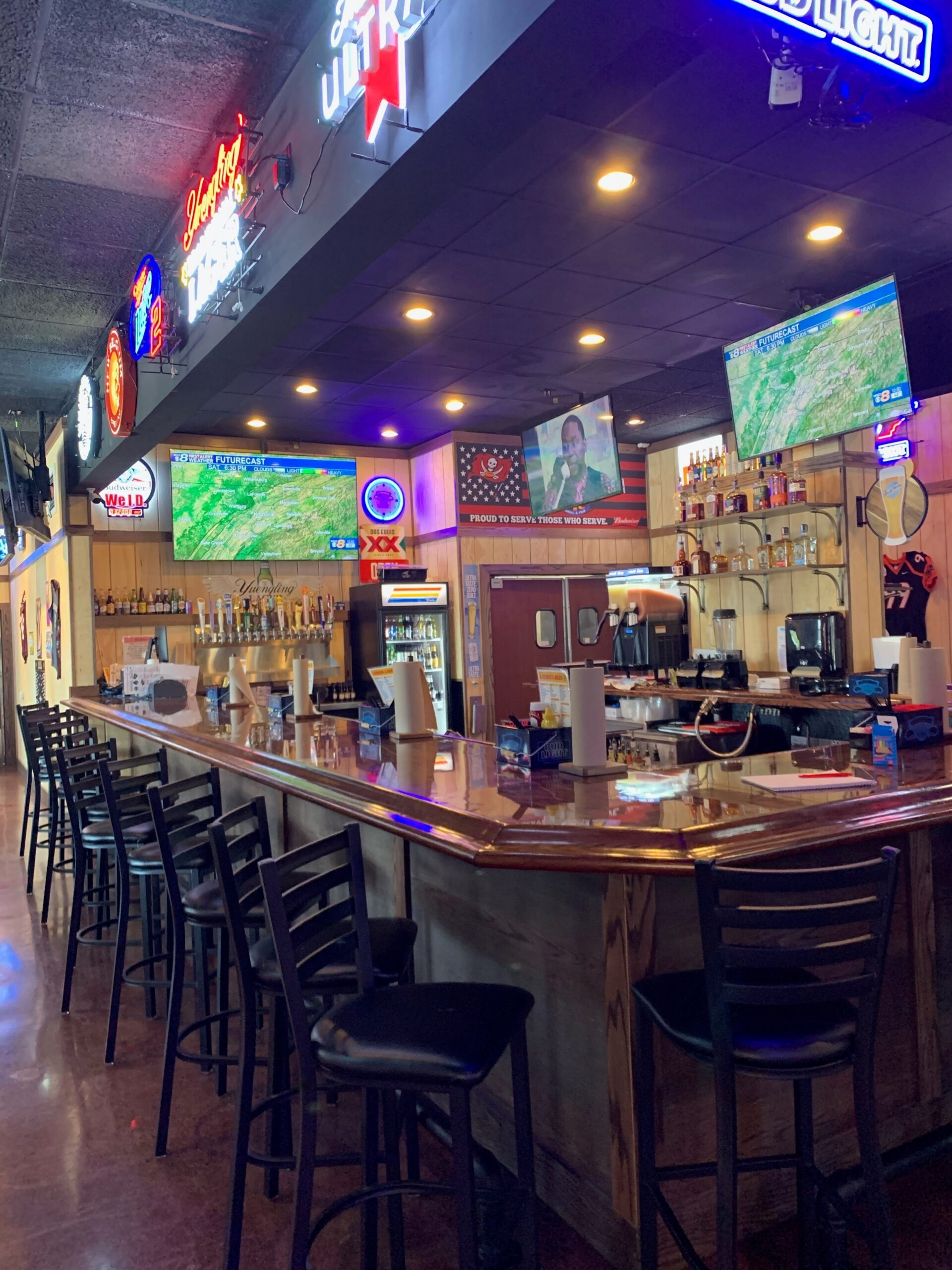 """Featured image for """"Wings, Etc. in Turkey Creek opens just in time for March Madness"""""""