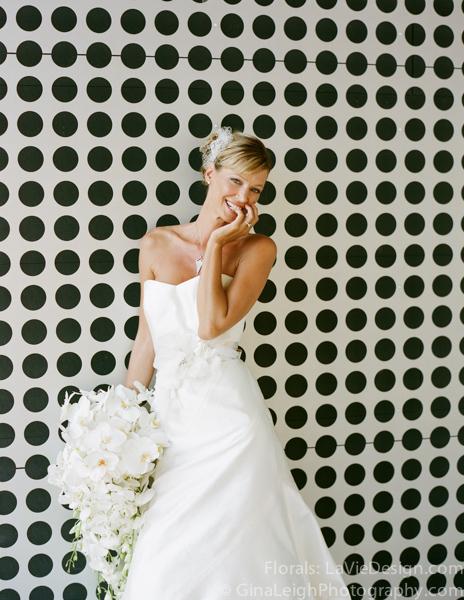 la-vie-en-rose-tampa-bay-wedding-magazine-summer-2011-white-bouquet-orchid-cover-shoot-museum-of-art-florida