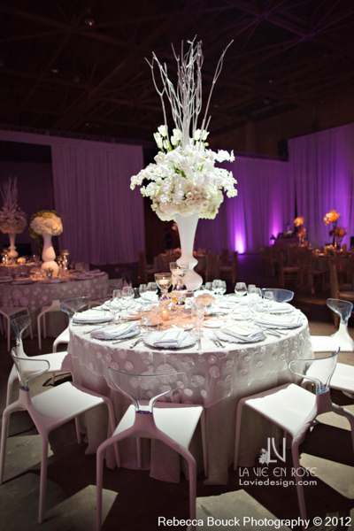 la-vie-en-rose-special-event-jouney-to-love-white-guest-table-modern-centerpiece-french-tulip-hydrangea-phalaenopsis-orchid-ranunculus-reception-purple-up-light-tampa-florida