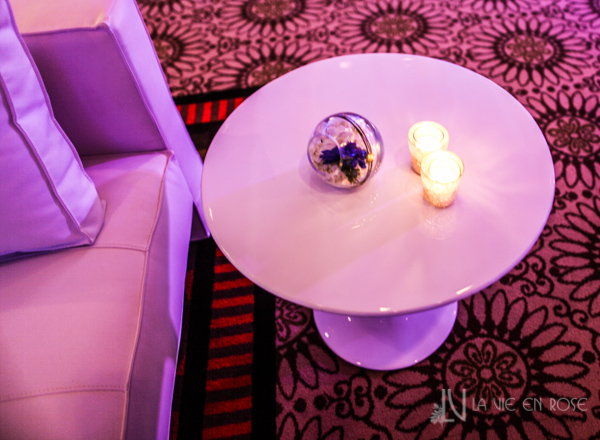 la-vie-en-rose-white-purple-globes-candle-side-table-corporate-party-sandpearl-resort-clearwater-florida-