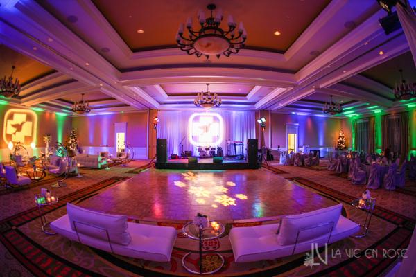 la-vie-en-rose-white-purple-lounge-furniture-dance-floor-pin-lighting-corporate-party-sandpearl-resort-clearwater-florida-