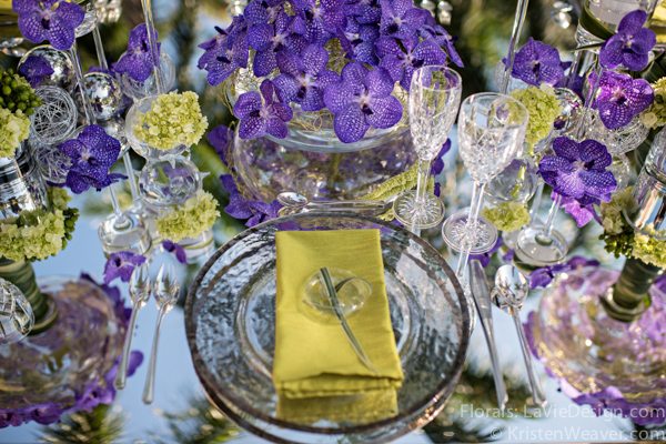 la-vie-en-rose-grace-ormonde-mirrored-table-top-blue-vanda-grass-glass-charger-orchid-shoot-green-purple-miami-four-seasons-florida