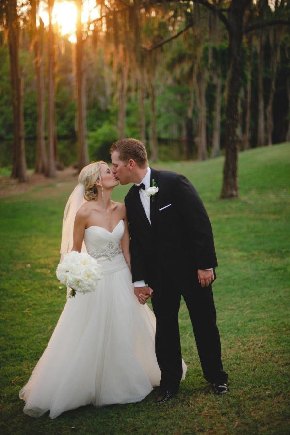 la-vie-en-rose-wedding-peonies-white-groom-bride-bouquet-innisbrook-resort-and-golf-club-palm-harbor -florida
