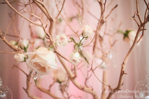la-vie-en-rose-ivory-pink-manzanita-pink-LED-light-hanging-globes-wedding-cocktail-hour-white-ivory-intercontinental-tampa-florida