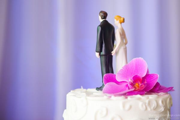 la-vie-en-rose-reception-purple-cake-topper-bride-groom-table-phalaenopsis-orchid-hyatt-clearwater-beach-florida