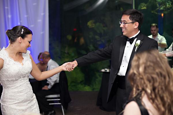 la-vie-en-rose-wedding-dance-floor-bride-groom-florida-aquarium-tampa-