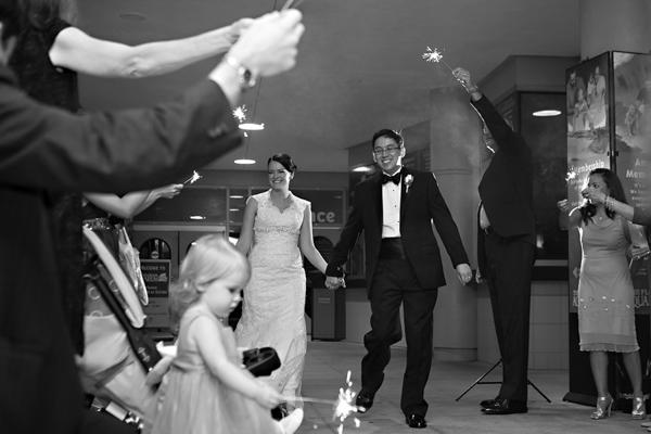 la-vie-en-rose-wedding-sparkler-exit-bride-groom-florida-aquarium-tampa-