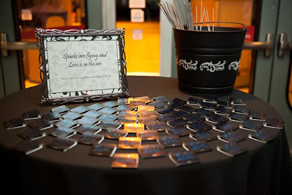 la-vie-en-rose-wedding-matche-sparkler-exit-candle-florida-aquarium-tampa-