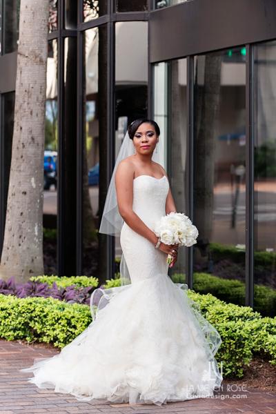 la-vie-en-rose-bouquet-peonies-bridal-gown-white-hilton-downtown-tampa-florida