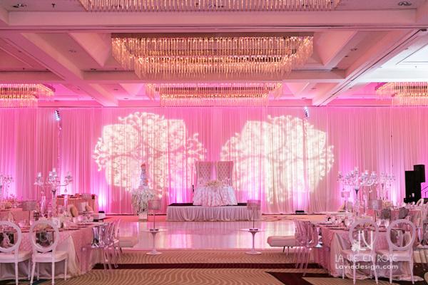 la-vie-en-rose-reception-sweetheart-table-white-pink-hilton-downtown-tampa-florida