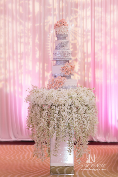 la-vie-en-rose-reception-orchid-mirrored-cake-table-white-pink-hilton-downtown-tampa-florida