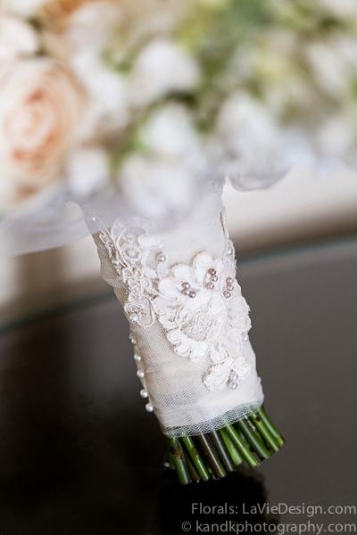 la-vie-en-rose-wedding-bridal-bouquet-detail-lace-ribbon-ceremony-museum-of-art-tampa-florida