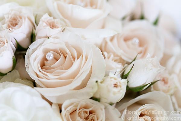 la-vie-en-rose-wedding-bridal-bouquet-pearl-ivory-meuseum-of-art-tampa-florida