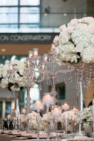 la-vie-en-rose-wedding-centerpiece-hydrangea-museum-of-art-tampa-florida