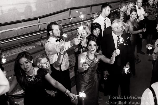 la-vie-en-rose-wedding-party-sparkler-museum-of-art-tampa-florida