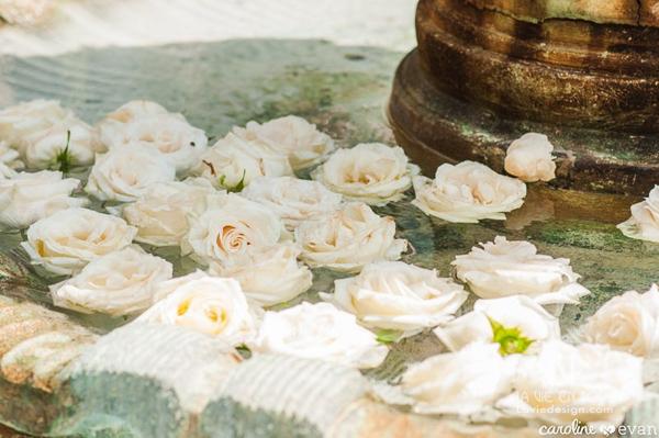 la-vie-en-rose-wedding-ceremony-fountain-floating-float-vinoy-renaissance-st-petersburg-florida