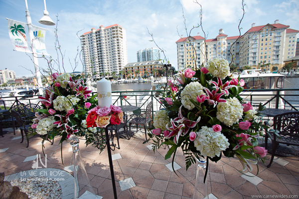 la-vie-en-rose-wedding-reception-hydrangea-curly-willow-tall-arrangement-flower-mariott-waterside-hotel-tampa-florida