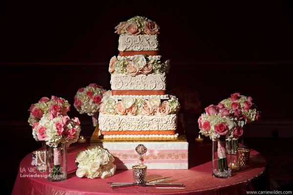 la-vie-en-rose-wedding-reception-cake-toss-bouquet-placement-mariott-waterside-hotel-tampa-florida