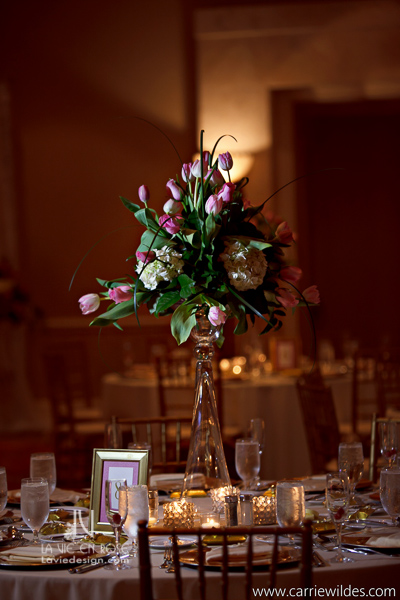 la-vie-en-rose-wedding-reception-card-table-large-flower-arrangement-centerpiece-mariott-waterside-hotel-tampa-florida