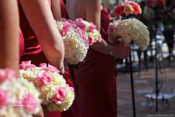 la-vie-en-rose-wedding-bridesmaid-bouquet-pink-fucia-crimson-mariott-waterside-hotel-tampa-florida