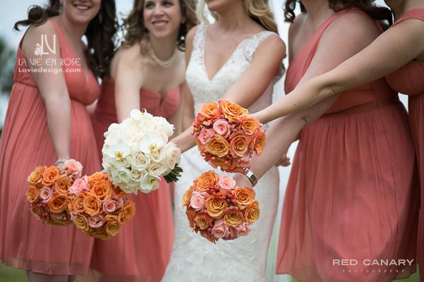 la-vie-en-rose-wedding-bridesmaid-bouquet-roses-ivory-safetyharbor-coral-peach-resort-spa-clearwater-florida