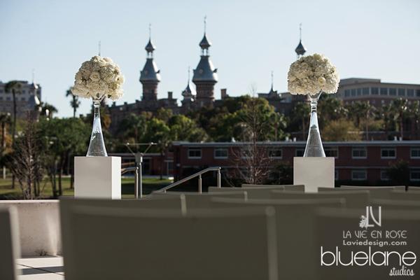 la-vie-en-rose-tampa-museum-of-arts-university-of-tampa-hydrangea-ceremony-flowers-white-tall-florida