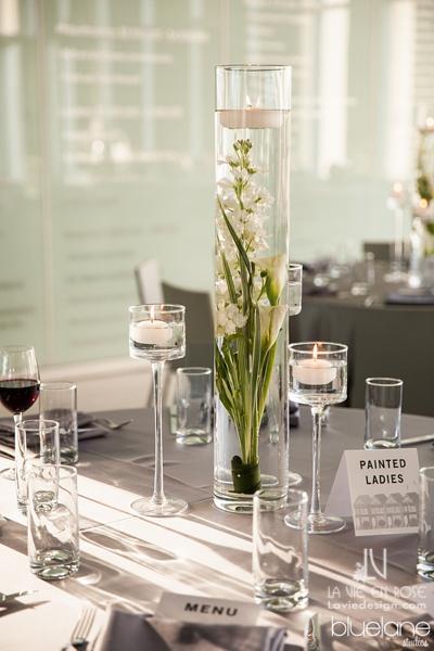 la-vie-en-rose-wedding-reception-tampa-museum-of-fine-arts-centerpiece-floating-candle-grey-linen