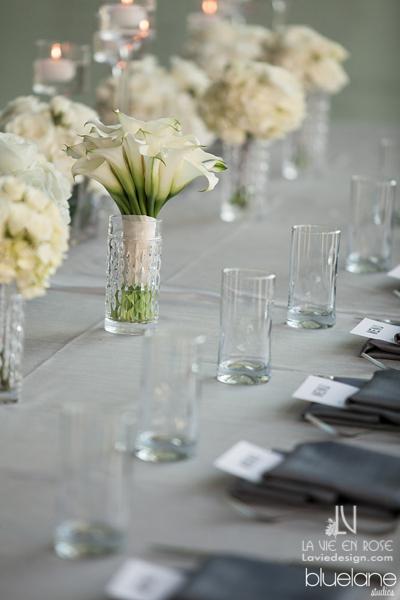 la-vie-en-rose-wedding-reception-tampa-museum-of-fine-arts-bridan-bouquet-wedding-party-table