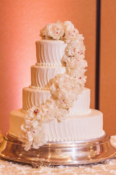la-vie-en-rose-wedding-reception-cake-peony-cascade-carillon-hilton-hotel-st-petersburg-florida