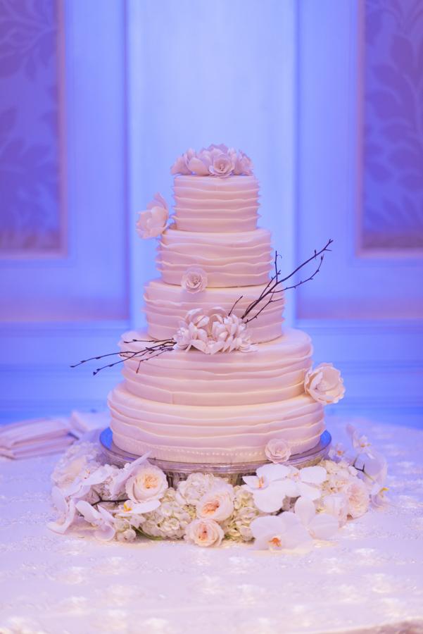 la-vie-en-rose-wedding-reception-cake-decor-peonies-orchids-hydrangea-table-specialty-linen-elegant-romantic-love-specialty-linen-happily-ever-after-waldorf-astoria