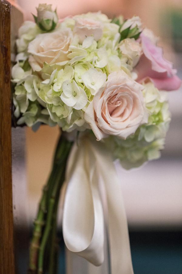 la-vie-en-rose-tampa-bay-saint-petersburg-wedding-hotel-reception-church-ceremony-pew-decor-floral-arrangements-roses-hydrangeas-spray-roses-peonies-garden-rose-pink-tones-blush-eucalyptus-romantic-elegant-the-vinoy