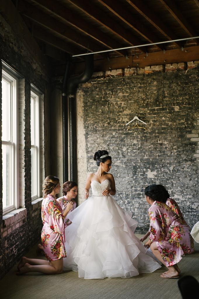 La-vie-en-rose-tampa-florida-wedding-gorgeous-decor-white-ivory-peony-garden-flower-eucalyptus-elegant-oxford-exchange
