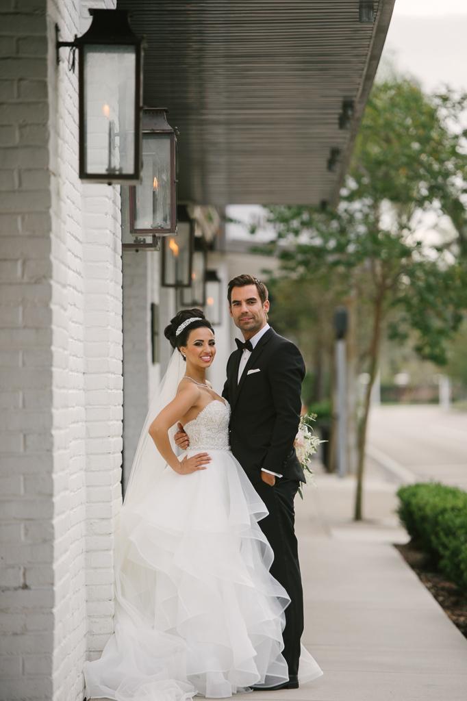 La-vie-en-rose-tampa-florida-wedding-gorgeous-decor-white-
