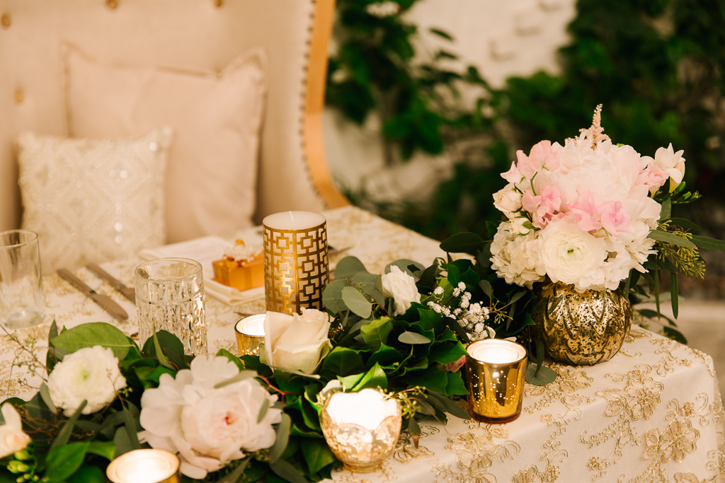 La-vie-en-rose-tampa-florida-wedding-gorgeous-reception-sweetheart-table-garland-white-ivory-blush-peony-garden-flower-eucalyptus-elegant-oxford-exchange