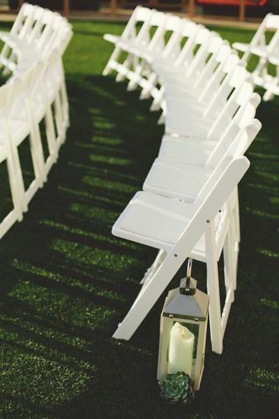 La-vie-en-rose-clearwater-beach-florida-wedding-cermony-aisle-gorgeous-lantern-succulent-elegant-sandpearl