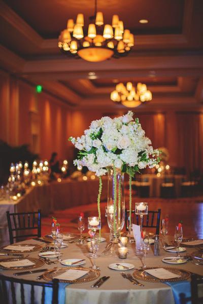 La-vie-en-rose-clearwater-beach-florida-wedding-gorgeous-reception-centerpiece-white-ivory-green-garden-tulip-flower-succulent-elegant-sandpearl