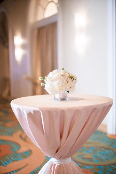 La-vie-en-rose-st-pete-florida-wedding-reception-white-blush-flower-cocktail-elegant-vinoy