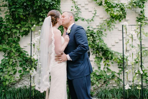 La-vie-en-rose-tampa-florida-wedding-white-garden-flower-orchid-ceremony-elegant-oxford-exchange