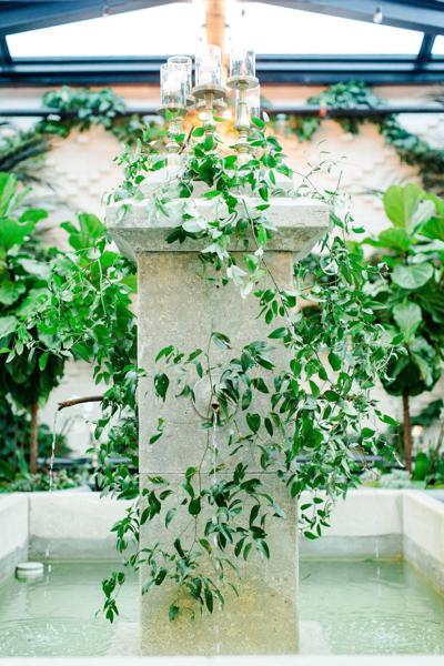 La-vie-en-rose-tampa-florida-wedding-white-garden-flower-eucalyptus-fountain-reception-elegant-oxford-exchange