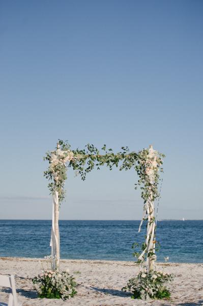 La-vie-en-rose-design-wedding-ceremony-arch-boca-grande-gasparilla-inn
