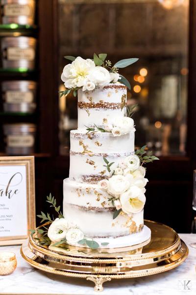 La-vie-en-rose-tampa-florida-wedding-white-garden-eucalyptus-cake-elegant-oxford-exchange