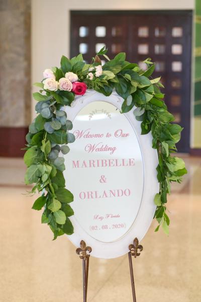 La-vie-en-rose-tampa-florida-wedding-white-pink-vine-sign-elegant-hyatt