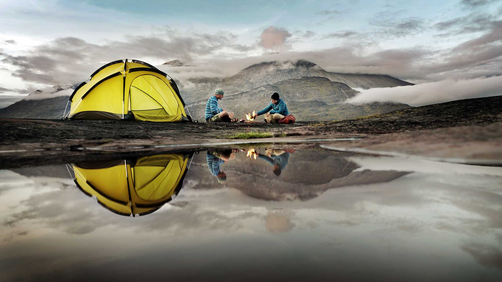 camp-camping-reflection-tent
