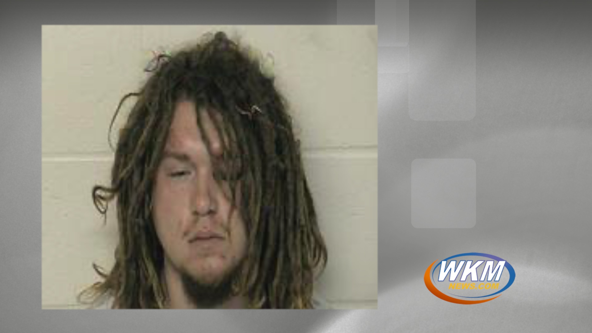 Intoxicated Man Arrested for Public Nudity in Scott County