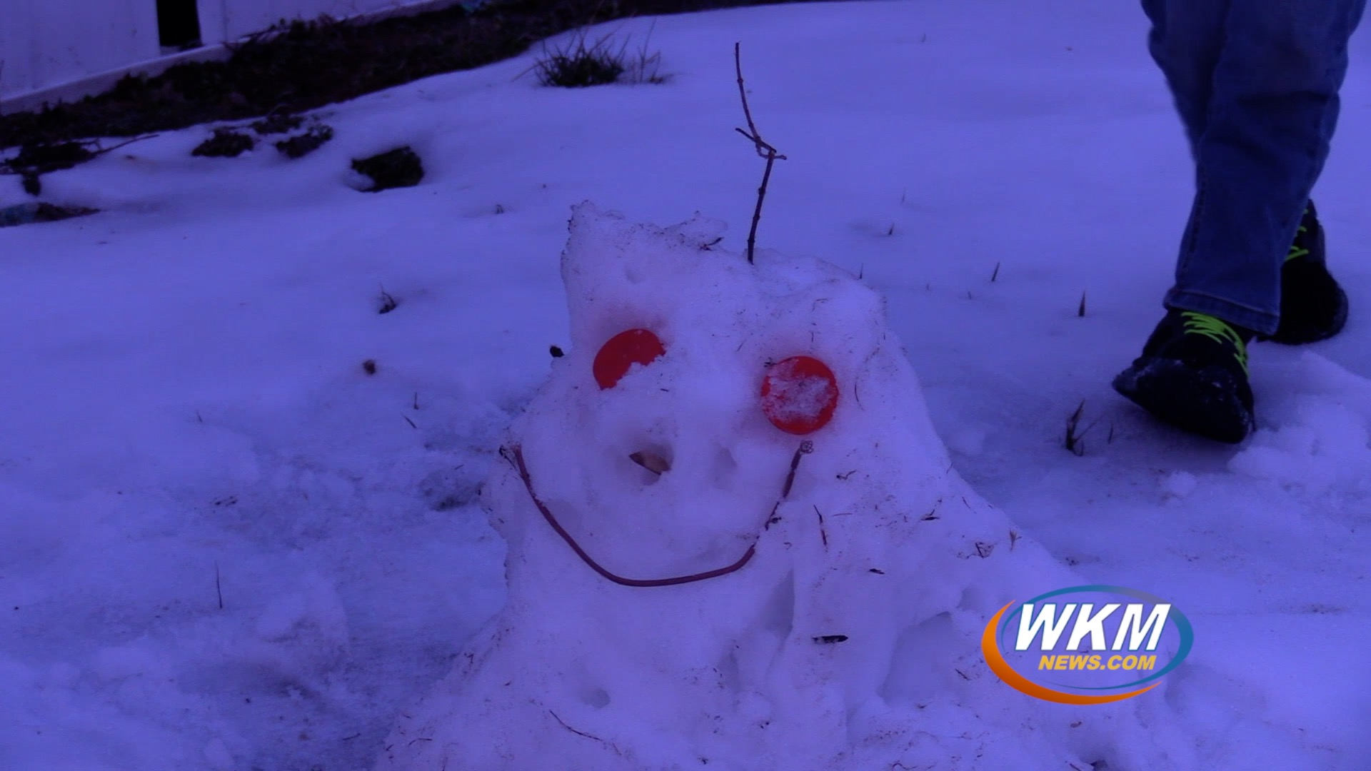 Snowman Building Tips From the Expert