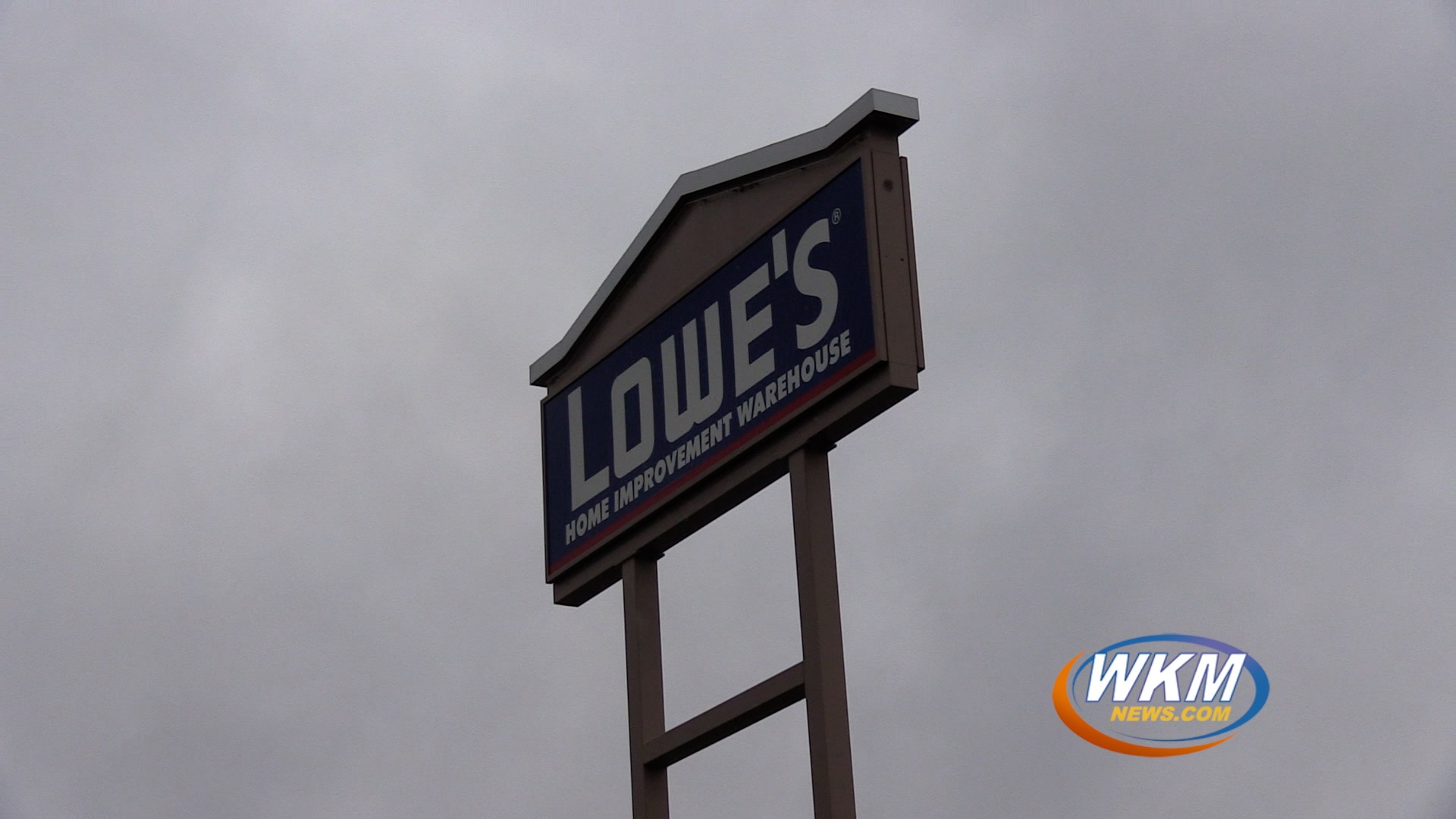 Madison Man in Custody For Public Nudity at Lowes
